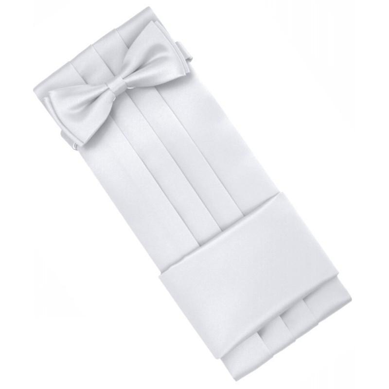 Biely smokingový pás s motýlikom a vreckovkou