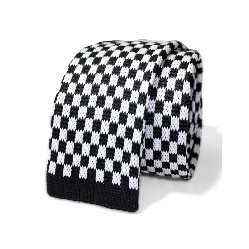 Pletená kravata čierno-biela sachovnica