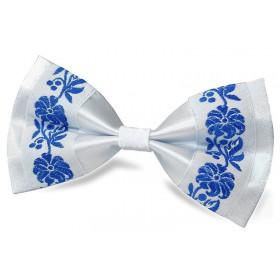 Biely motýlik s bielo-modrou krojovkou BWT