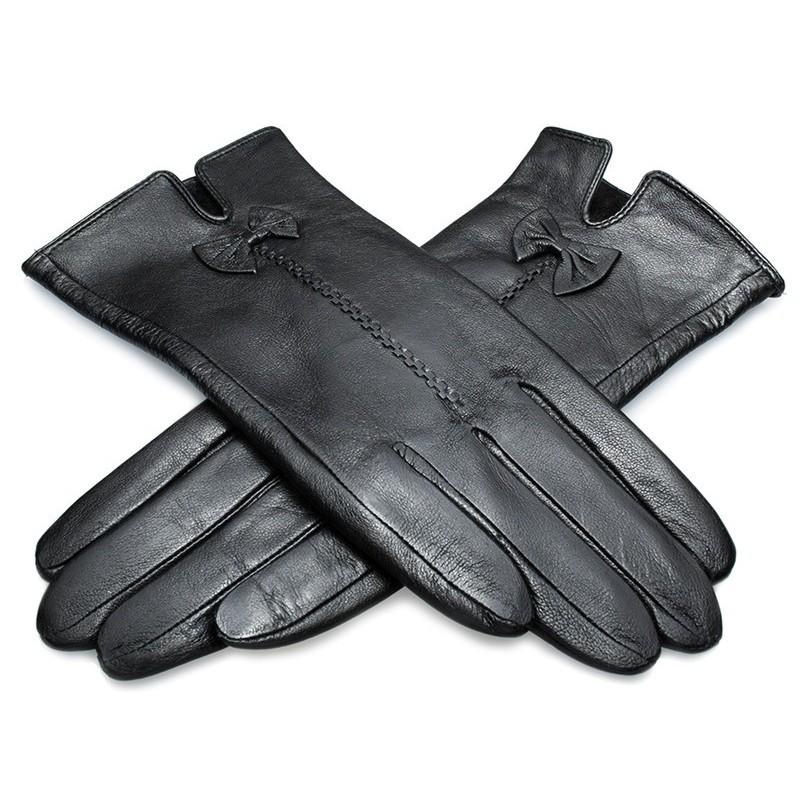 Dámske rukavice kožené s kožušinovou podšívkou čierne