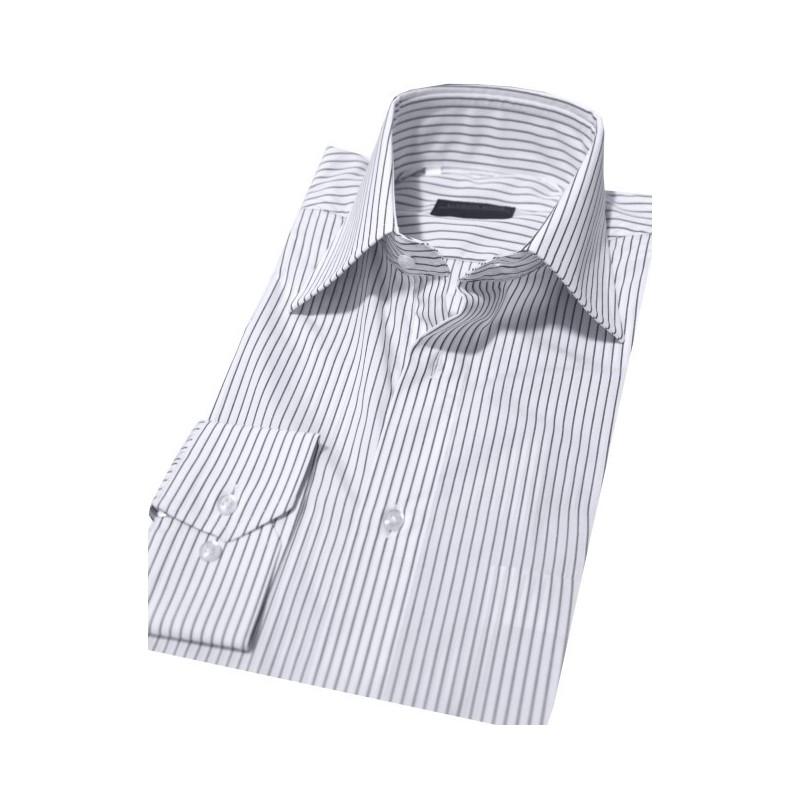 Biela košeľa s čiernymi prúžkami